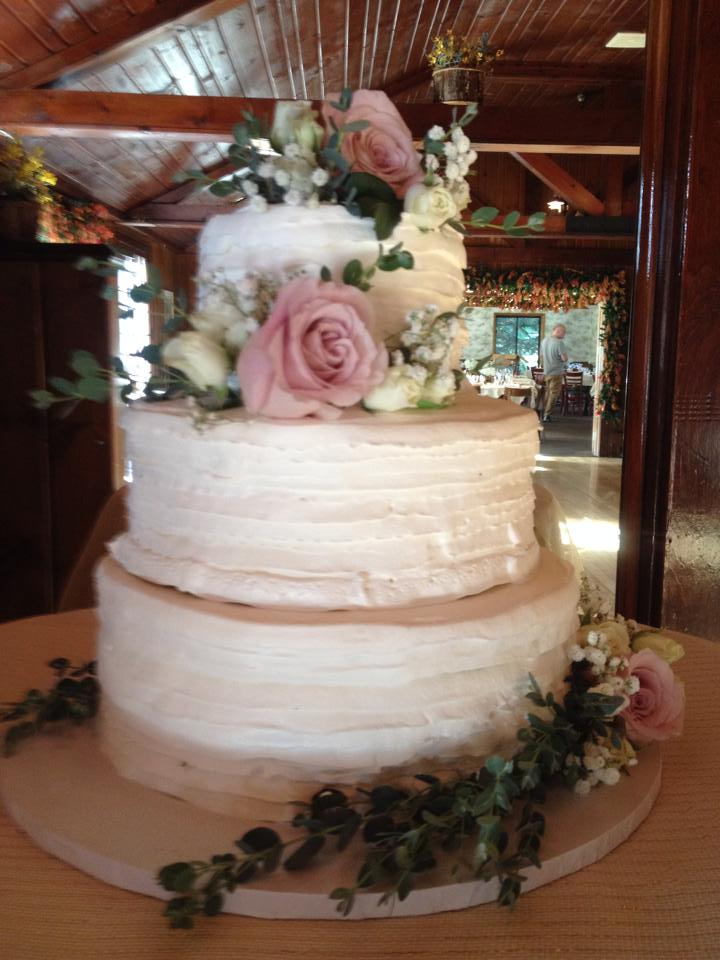 norwood-pines-wedding-cake